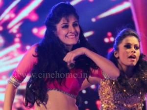 Actress Isha Talwar Hot Navel Dance